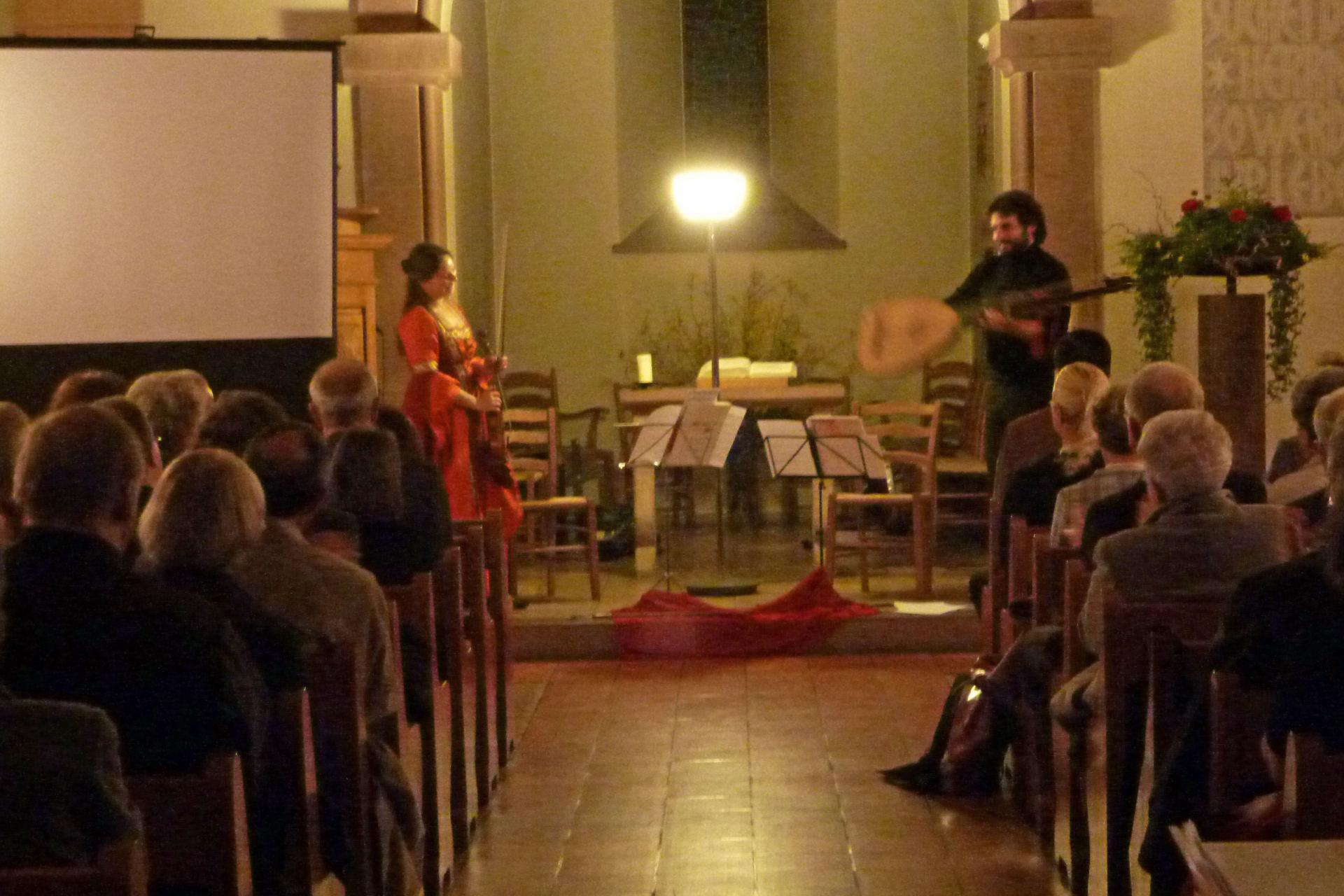 Erfolgreiches Benefizkonzert mit Julia Schröder (Violine) und Daniele Caminiti (Laute) zu Gunsten des Altersheims in Lubtscha
