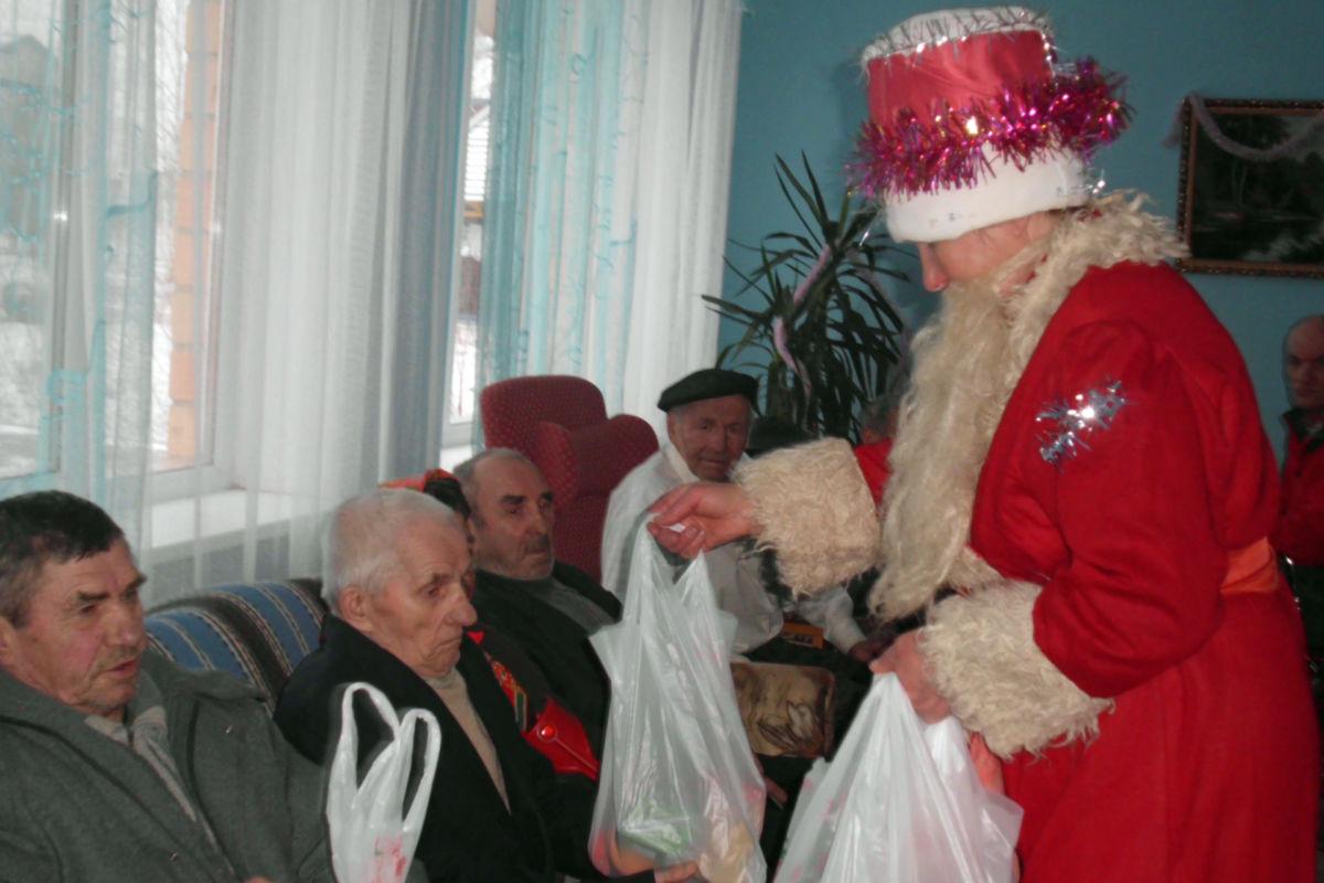 Weihnachtsfeier im Altersheim Borisovitschi